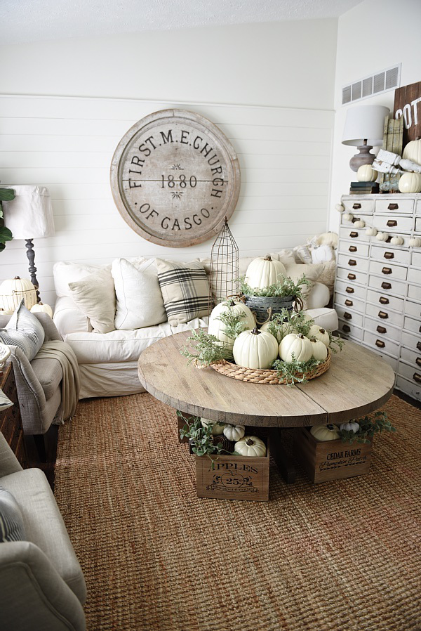 Liz Marie / Best neutral fall tours | somuchbetterwithage.com