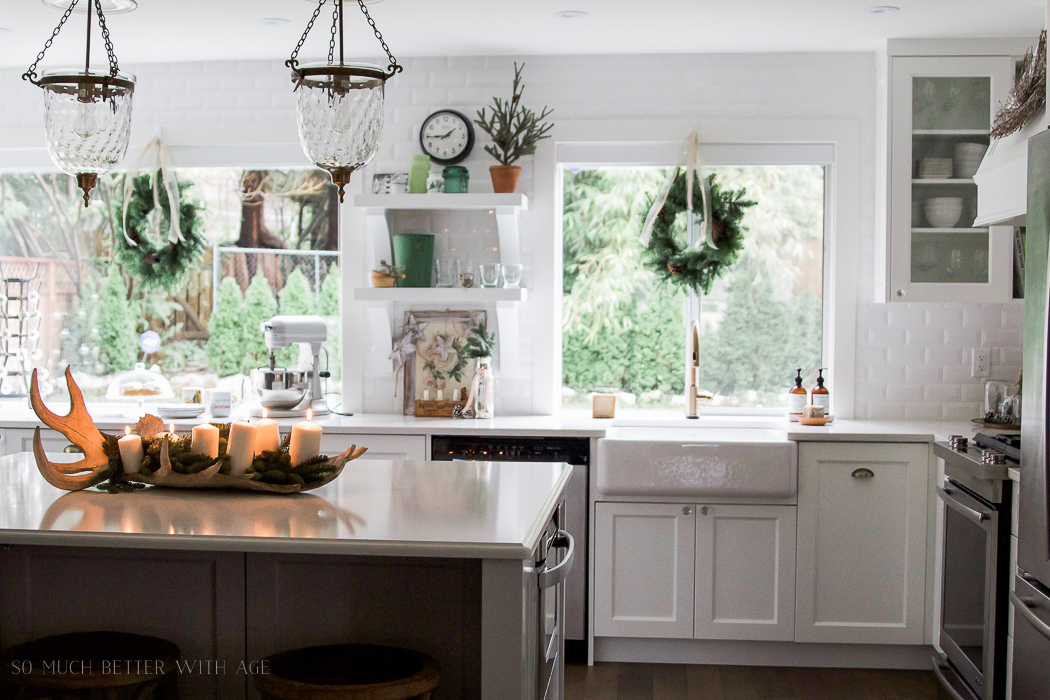 Christmas kitchen tour 2016 / decorated white Christmas - So Much Better With Age