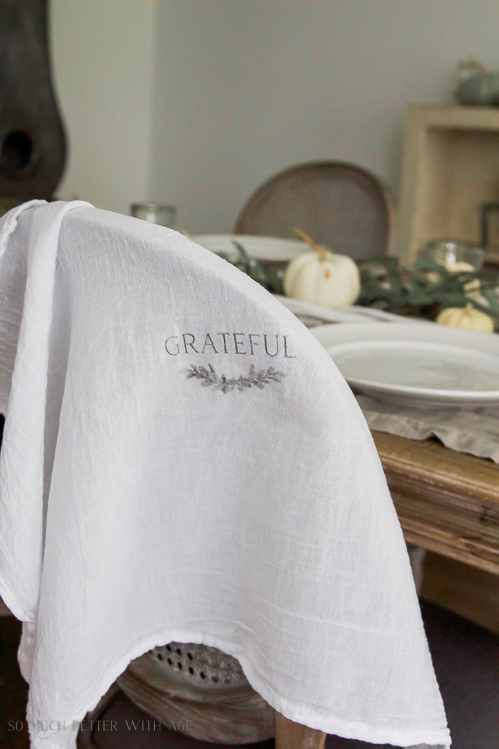 Thanksgiving napkin transfer tutorial / wax paper transfer, fall dining room - So Much Better With Age