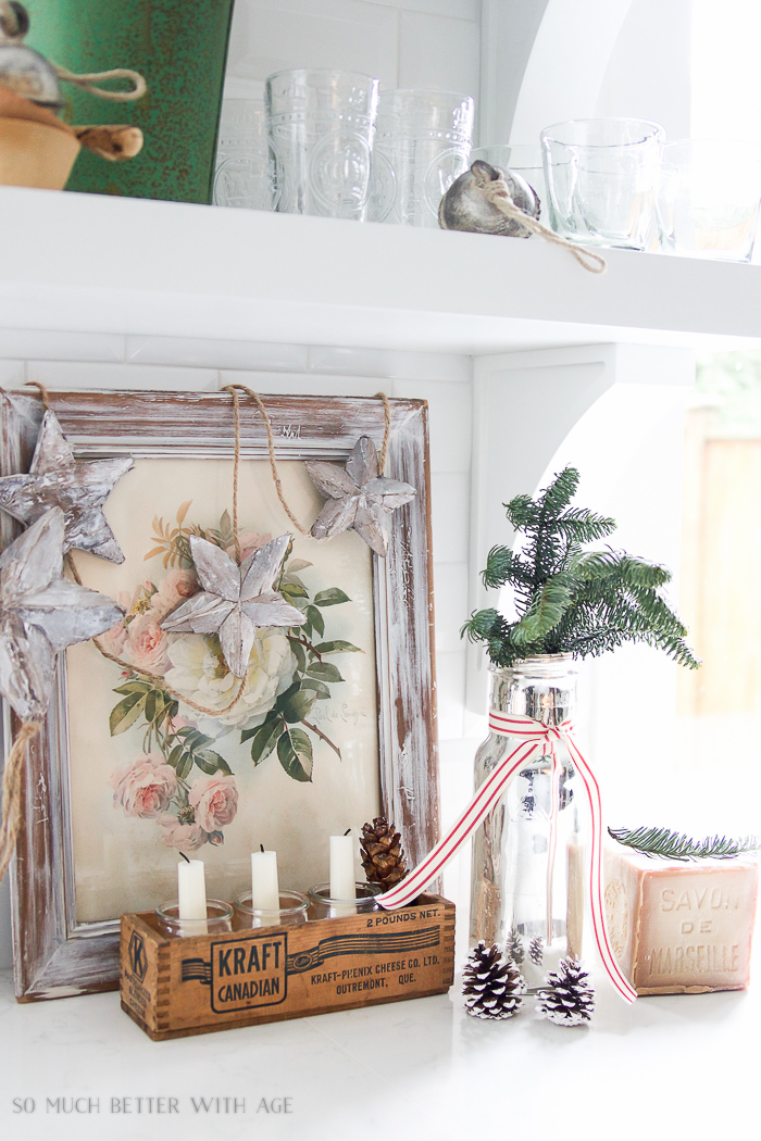 Stars and greenery kitchen vignette - Christmas kitchen tour 2016
