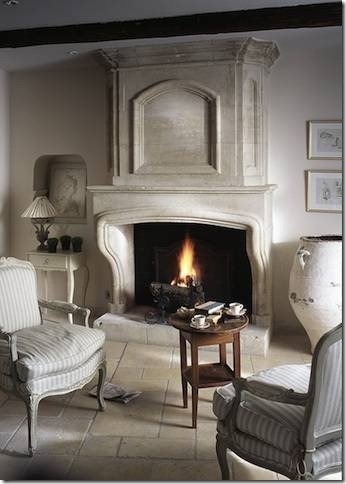 Fabulous Limestone Fireplaces /  de Texas - So Much Better With Age