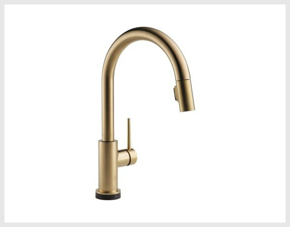 White and gold kitchen inspiration / Delta Trinsic Faucet - So Much Better With Age