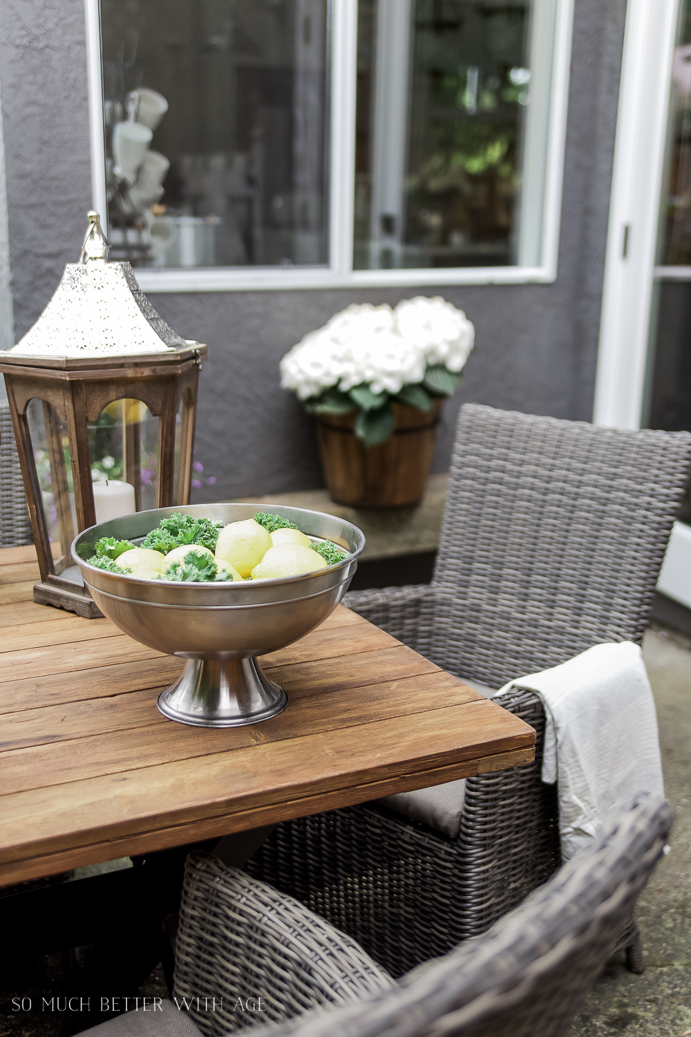 Lemon & Kale Centrepiece / How to Set a Casual Outdoor Table French Vintage Style - So Much Better With Age