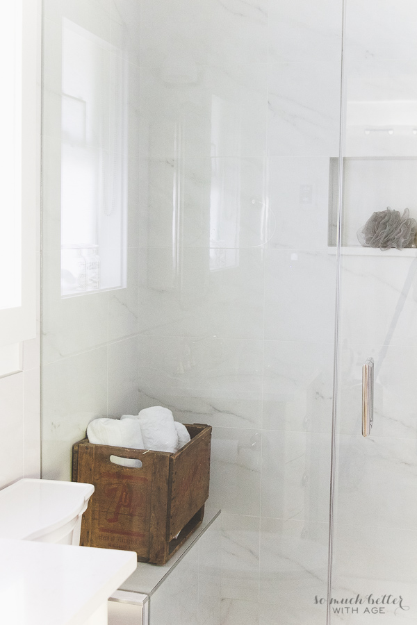Gorgeous Faux Marble Master Ensuite Using Porcelain Tile Alternative