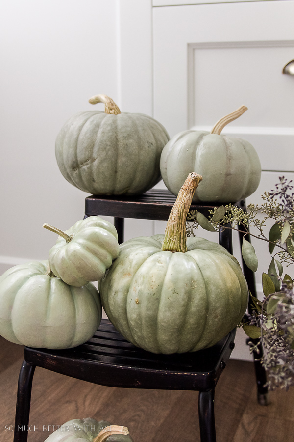 DIY heirloom pumpkin tutorial /sage green painted pumpkins - So Much Better With Age