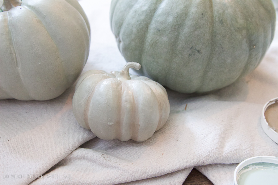 DIY heirloom pumpkin tutorial /Painting pumpkins with Fusion Mineral Paint - So Much Better With Age