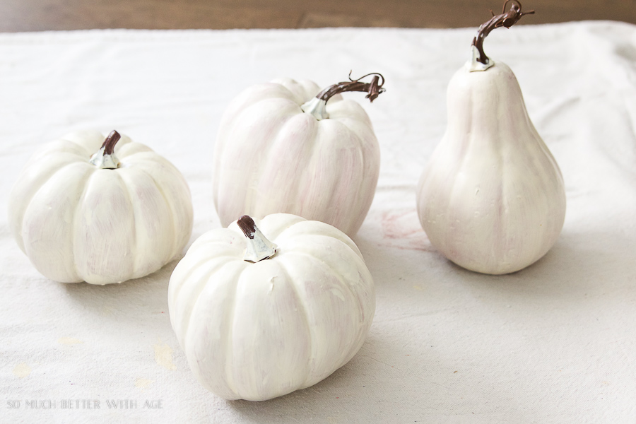 DIY heirloom pumpkin tutorial /Prime plastic pumpkins - So Much Better With Age