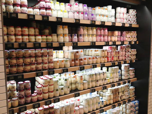 paris-yogurt-at-au-bon-marche- French yogurt jar candles
