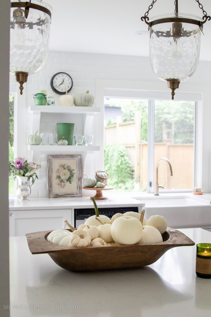 white-vintage-kitchen-white-pumpkins-fall-101