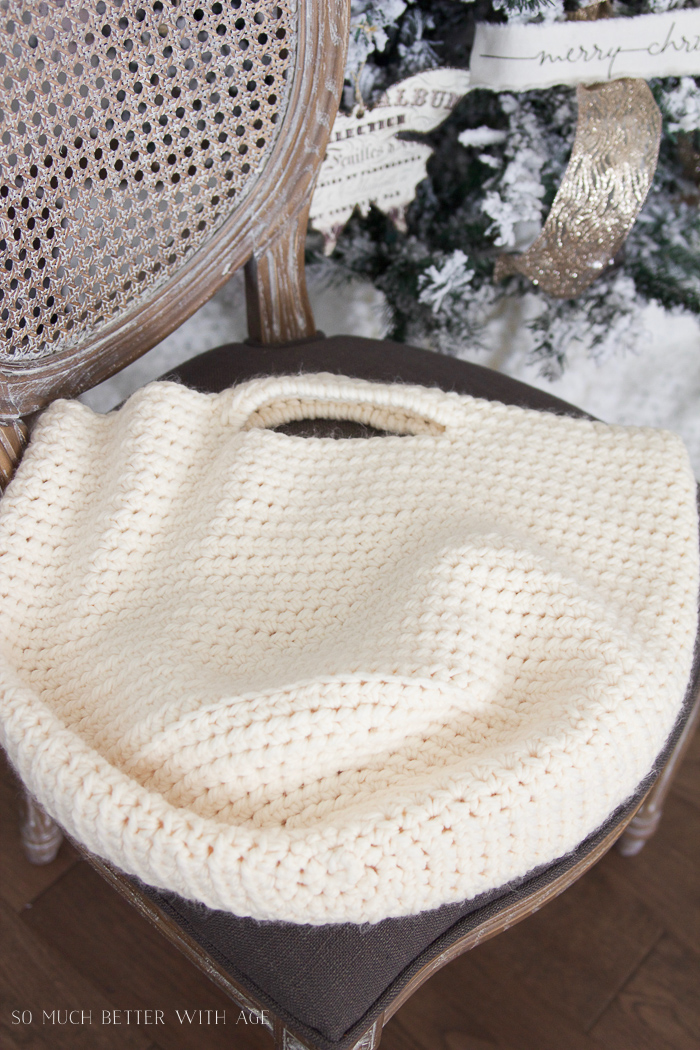 crocheted-knitted-baskets-blankets-124