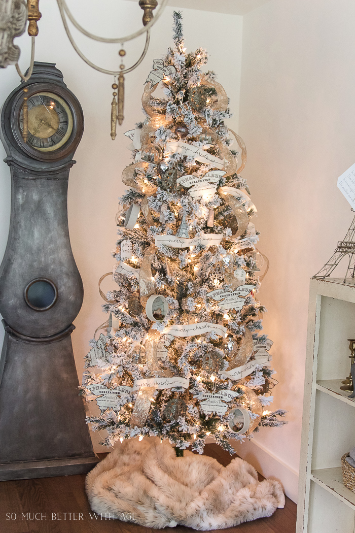 30+ Unique Christmas Decorating Ideas/ mora clock, Christmas tree- So Much Better With Age