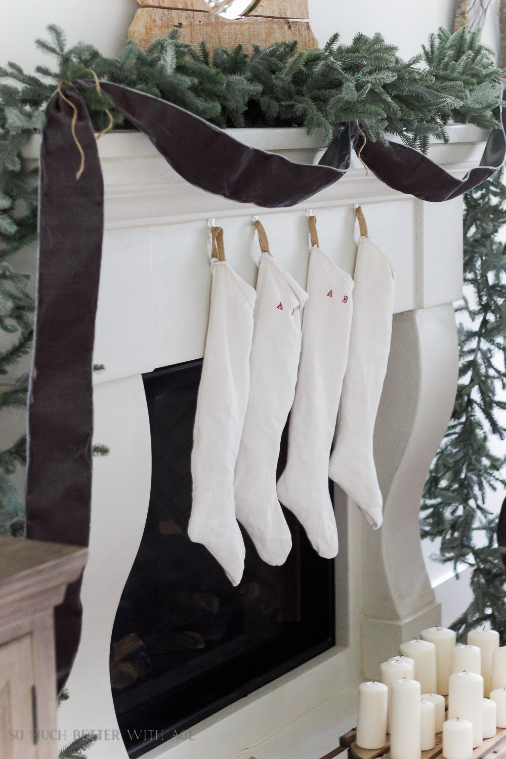 European-looking/vintage Christmas stockings sewing tutorial and free downloadable pattern / the handmade looking stockings - So Much Better With Age