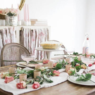 How to Set a Beautiful Valentine's Day Table Setting – A Step by Step Guide