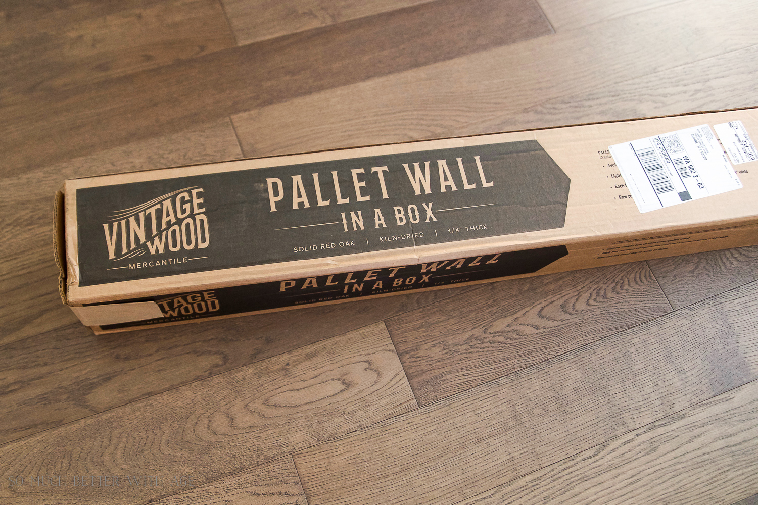 DIY Pallet Sign - pallet in a box using Amy Howard's Better With Age and Venetian Plaster