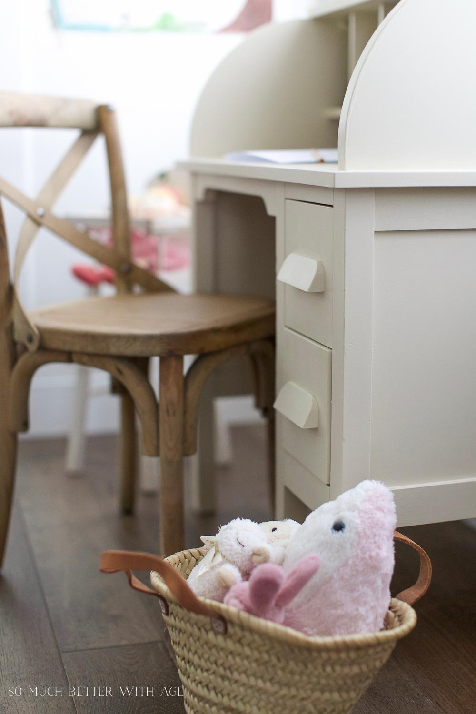 How To Paint Over Bright Or Dark Coloured Furniture, Kidsu0027 Vintage Desk  Makeover