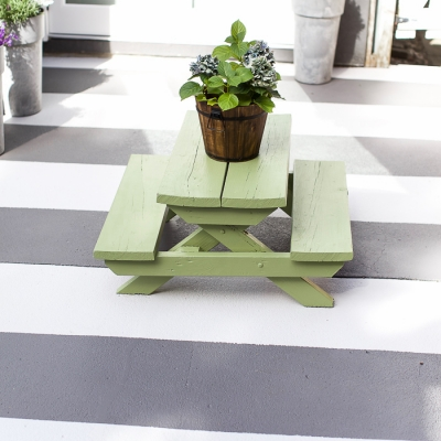 How to Paint Stripes Like an Outdoor Rug on Patio Concrete Slab