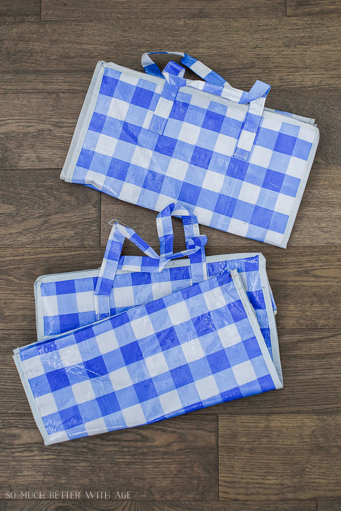 Checkered shopping bags.