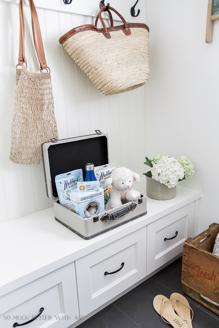 The Best Vintage Laundry Room Decor | So Much Better With Age on Laundry Decoration  id=37412