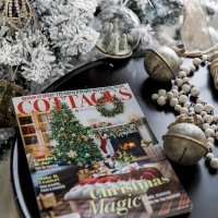 Cottages & Bungalows Christmas Feature