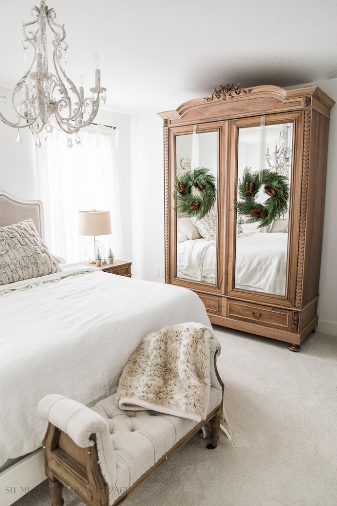 French Vintage Decor - Simple and natural Christmas decor.