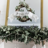 Easy and Beautiful Christmas Grapevine Wreath