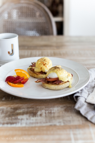 Easy Eggs Benedict with Bacon