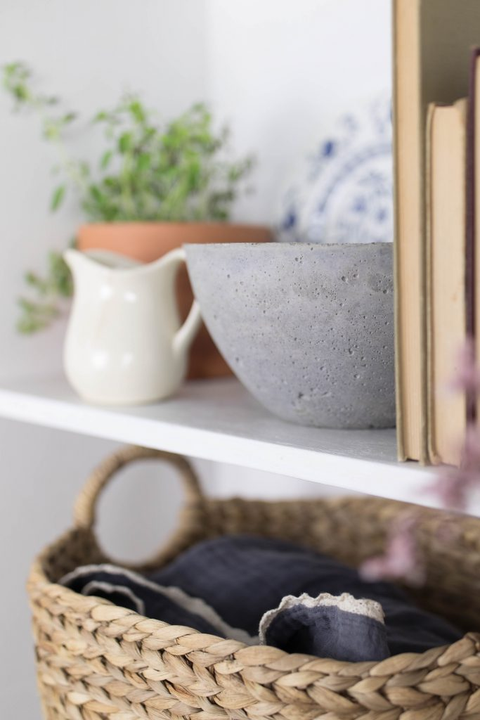French Vintage Decor - Concrete bowl