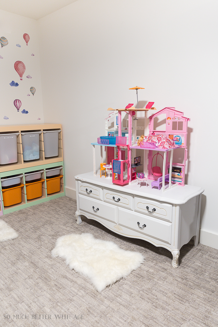 Kids' Playroom Makeover with Hot Air Balloons/Barbie house - So Much Better With Age