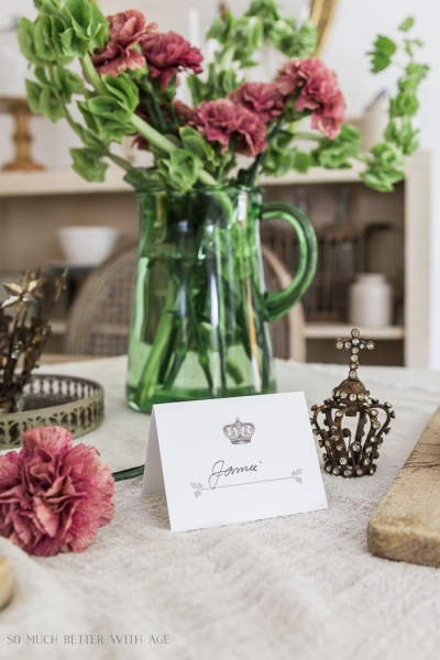 Crown and Leaf Place Cards – Free Printable