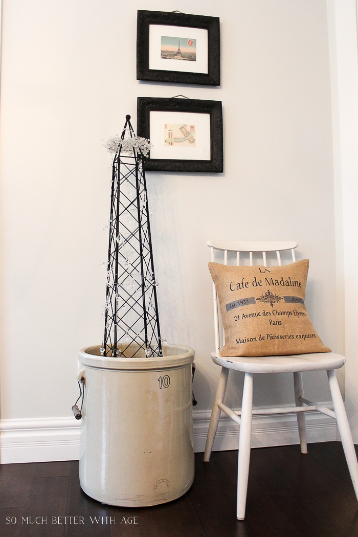30+ Unique Christmas Decorating Ideas/Eiffel tower tomato cage - So Much Better With Age
