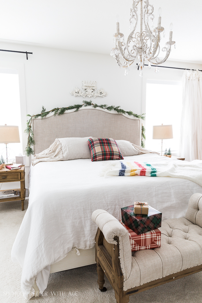Simple Christmas Bedroom Decor So Much Better With Age