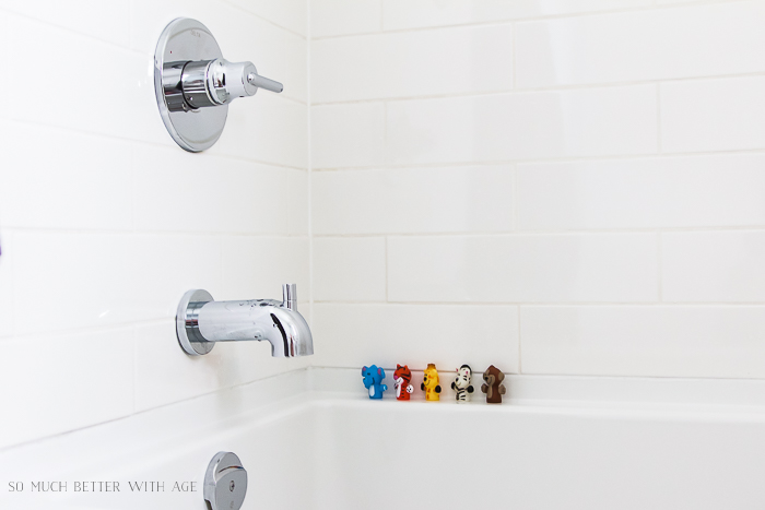 10 Design Tips for Kids Bathroom/kids bathtub - So Much Better With Age