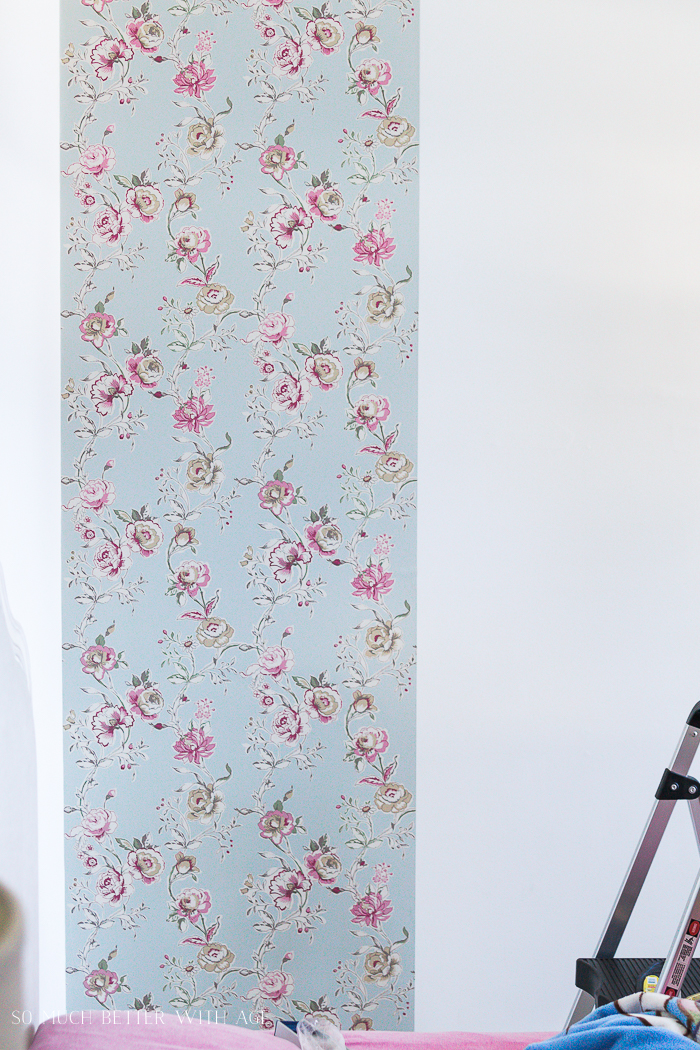 How to Hang Wallpaper on One Wall/line up wallpaper - So Much Better With Age