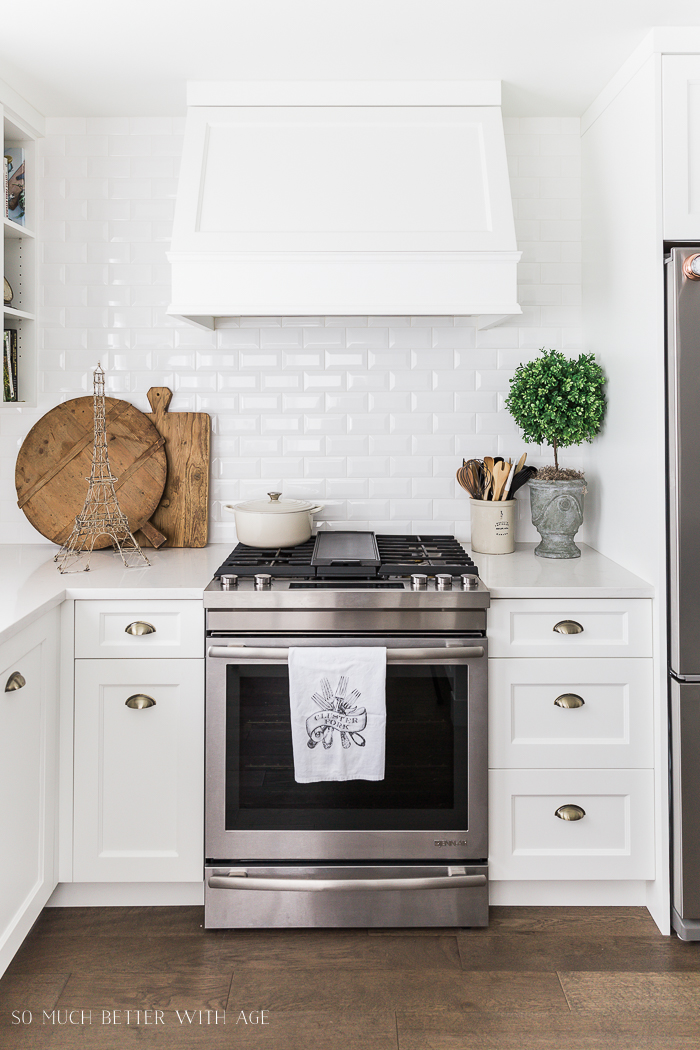 Simply White by Benjamin Moore - Best White Paint Color/white kitchen cabinets - So Much Better With Age