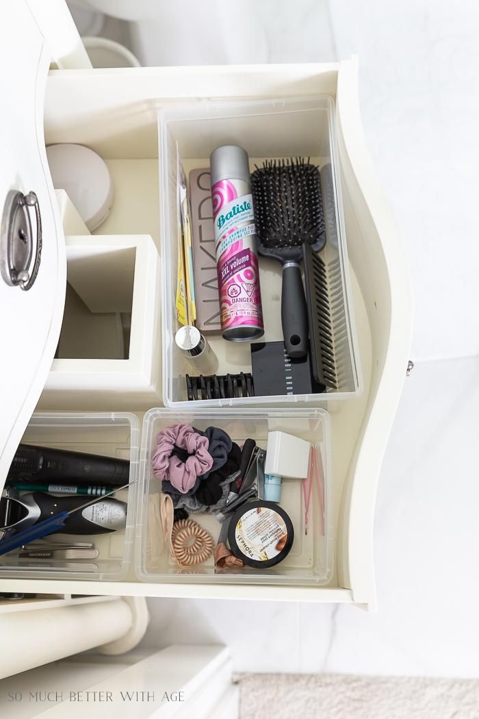 Bathroom Minimalism | How I Organize Small Bathrooms/organized bathroom drawers - So Much Better With Age