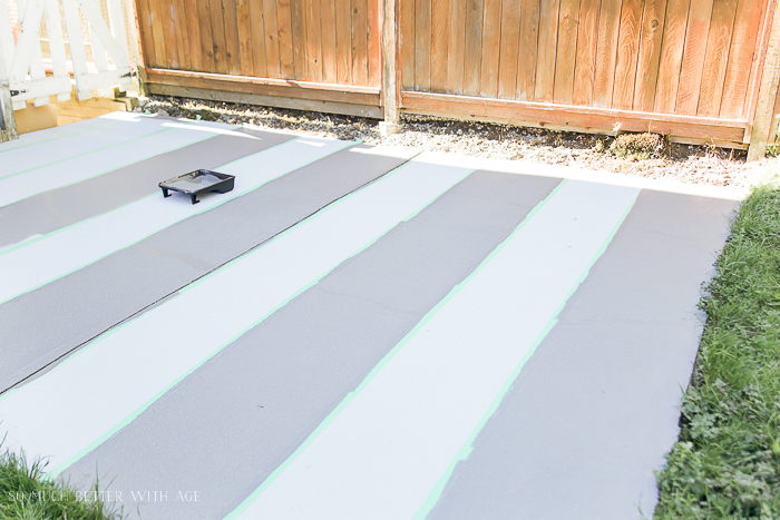 Grey stripes on concrete.