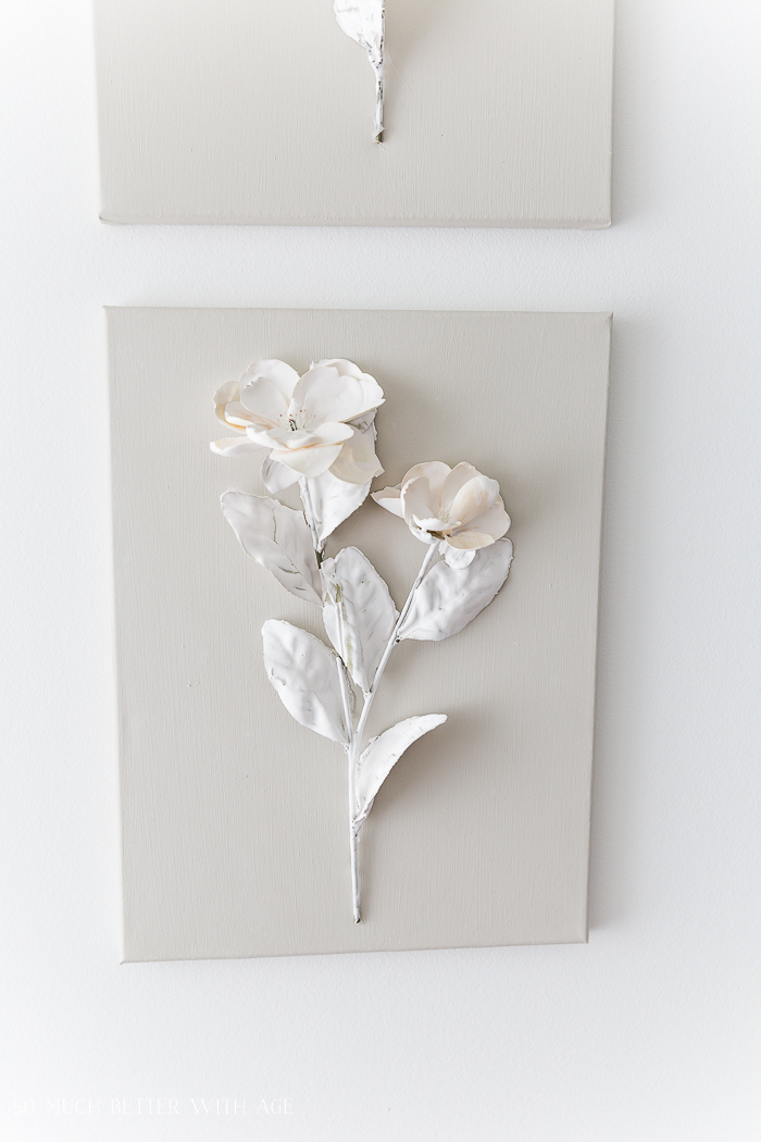 3D flowers on canvas.