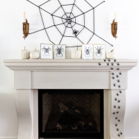 Creepy Spiders Halloween Decorating