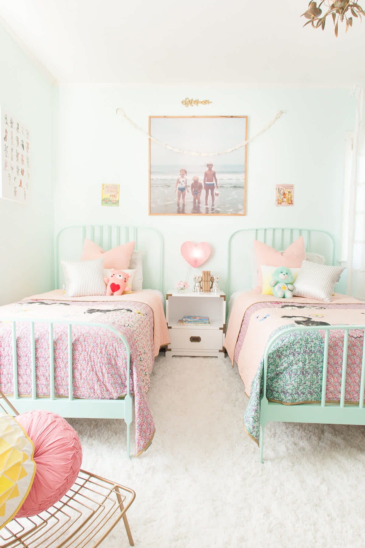 Mint and pink girls' bedroom from Lay Baby Lay.
