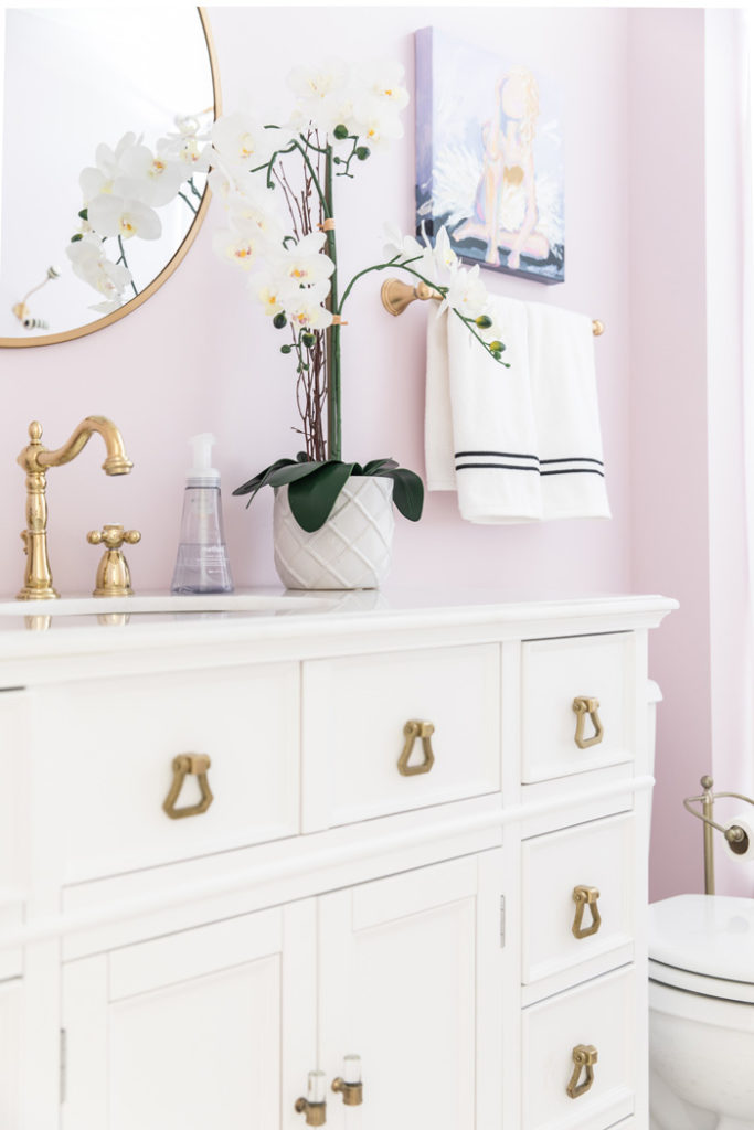 Lilac and gold bathroom from Style Your Senses.