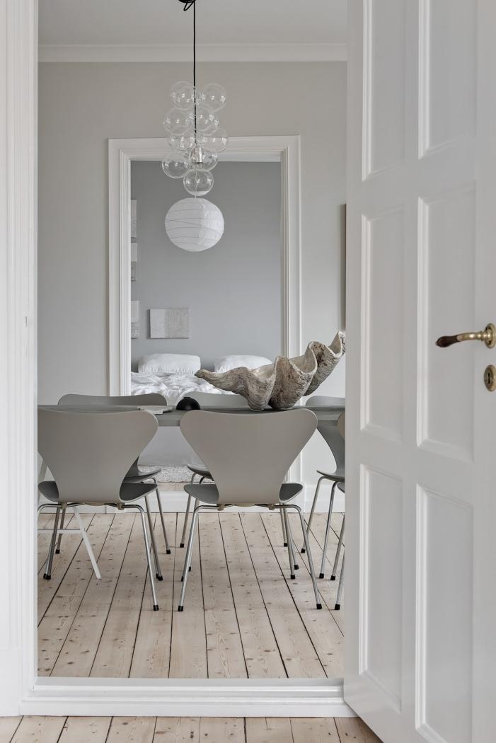 Achromatic room by Coco Alpine Design.