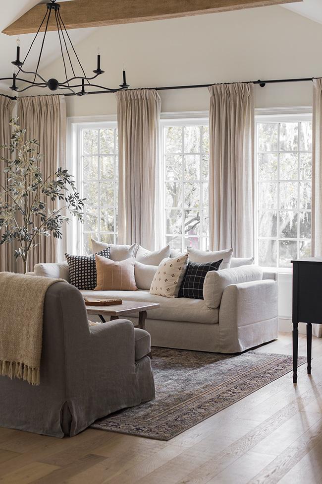 Jenna Sue Design - rug in living room.